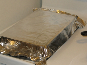 brownies: fitting tinfoil to the pan