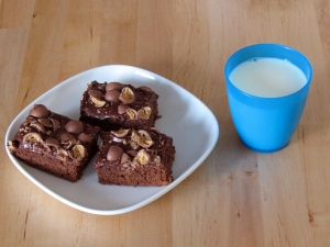 brownies: let frosting set, and serve