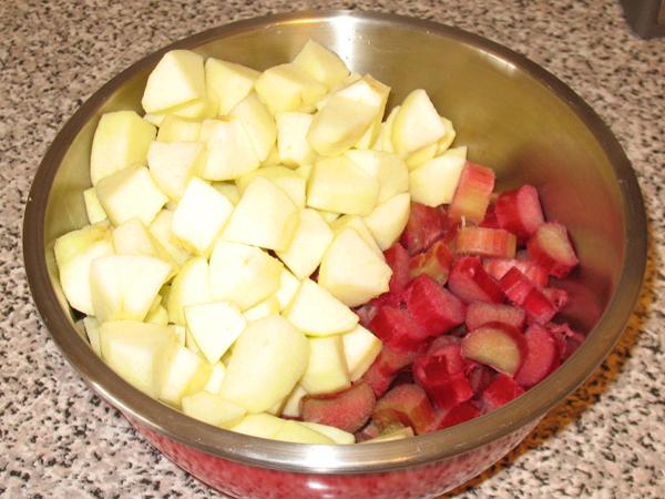 Rhubarb apple crumb bars (3/6)