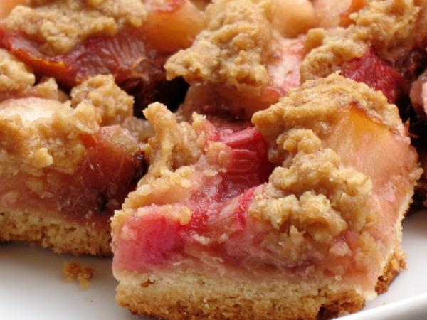 Rhubarb apple crumb bars (1/6)