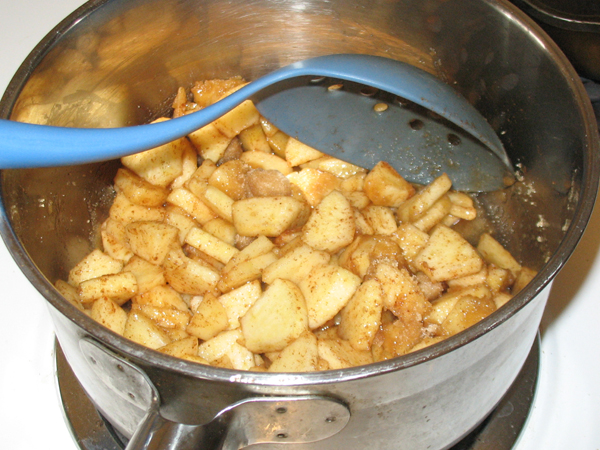 Patty's apple strudel explosion (3/6)