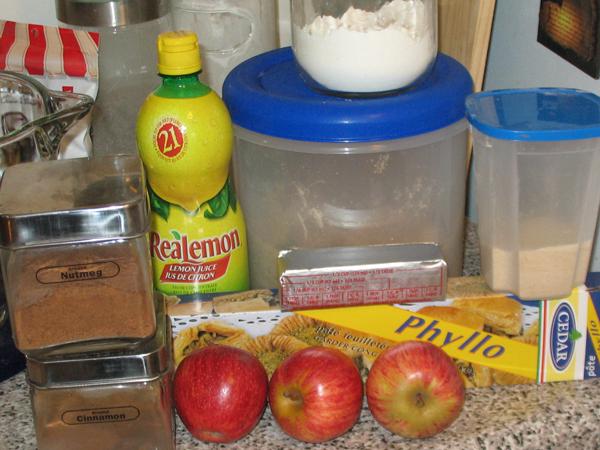 Patty's apple strudel explosion (2/6)